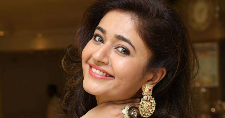 Poonam Bajwa Tweets About Ajiths Valimai Album