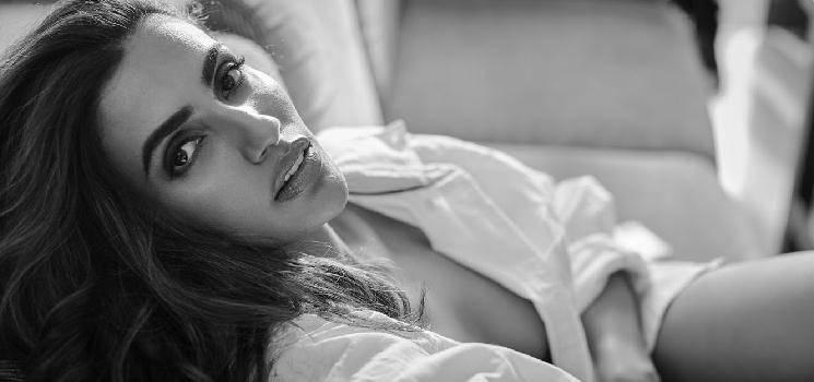 Thuppakki fame actress Akshara Gowda turns screenplay writer - check out!