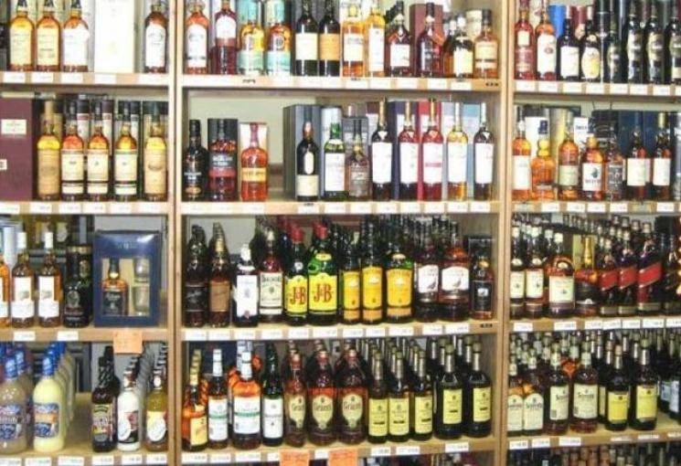 Wine shop near death in Trichy