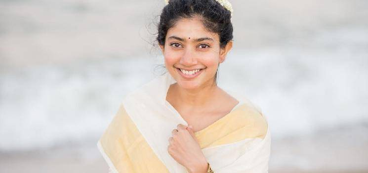 New Posters from Viraata Parvam and Love Story released for Sai Pallavi's Birthday - check out