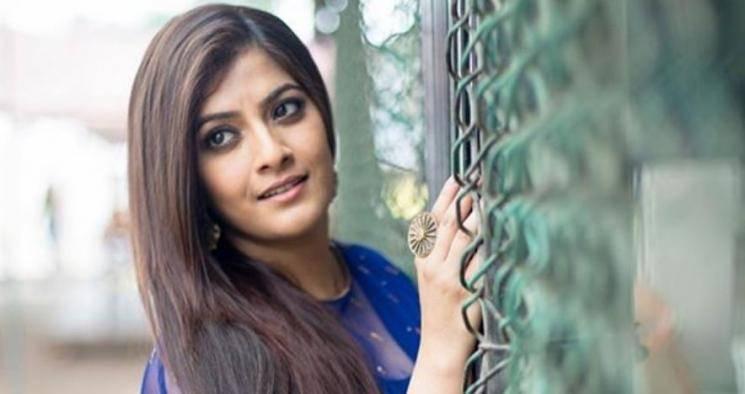 Varalakshmi Sarathkumar About Missing IPL Matches