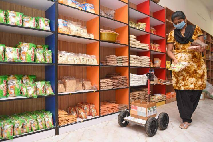 Coronavirus Tamil Nadu | Man sends robot for purchases in shops to maintain social distancing