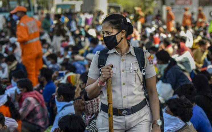 Coronavirus crisis   Migrant woman allegedly bites Maharashtra cop for being told to wear a mask