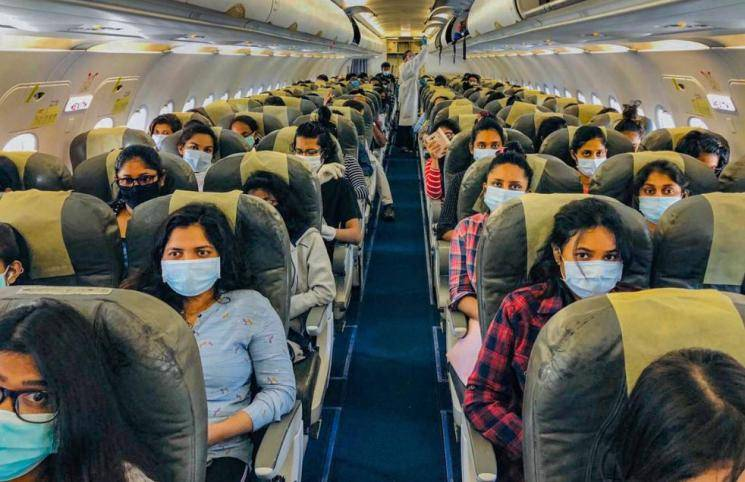 Coronavirus crisis | Keep middle seats empty or give 'wrap-around gowns': DGCA to Airlines