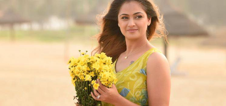 Simran denies rumours about acting in Chandramukhi 2! Check out her latest statement!