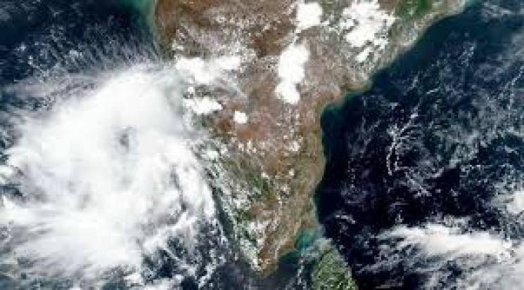 Nisarga Cyclone Red Alert in Maharashtra and Gujarat