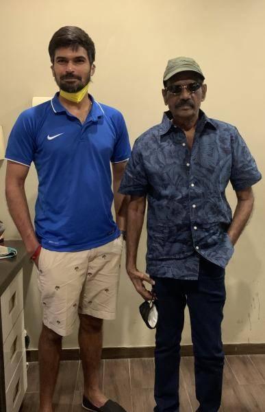 Indian cricketer meets Goundamani | Viral trending photo