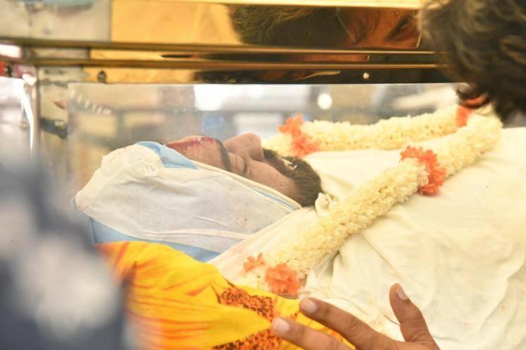 Chiranjeevi Sarja's funeral photos | Sad and heart-wrenching scenes