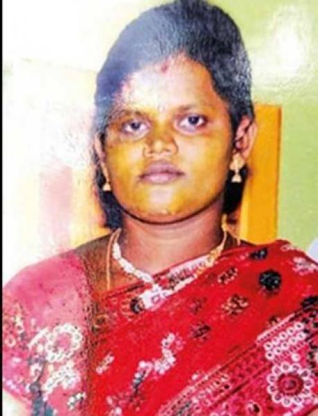 Husband kills wife with hammer for extramarital affair