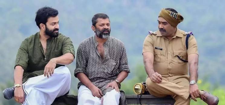 Director Sachy Wish To See Karthi Parthiban In AK Tamil Remake