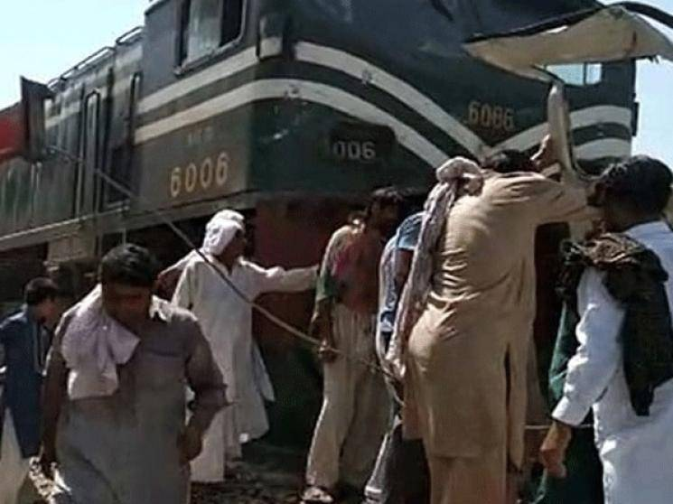 Sikh pilgrims killed as train rams into bus in Pakistan