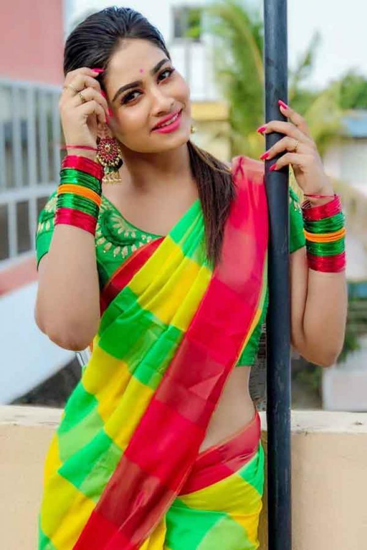 Rettai Roja Shivani Narayanan Funny Boxing Video