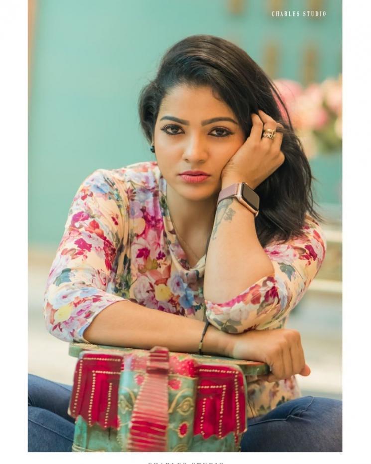 Pandian Stores Chitra Celebrates Her Fan Birthday