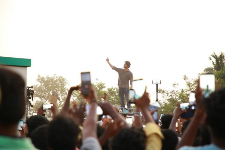 Vijay Selfie With Fans Crosses 100K Retweets