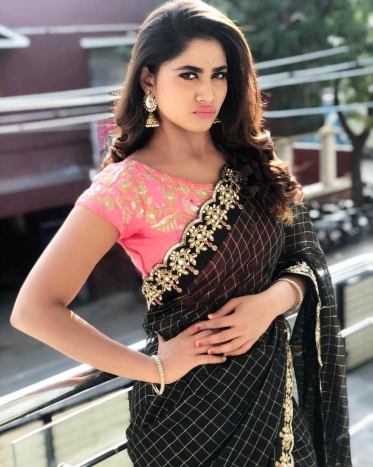 Rettai Roja Shivani Narayanan Misses Hotels