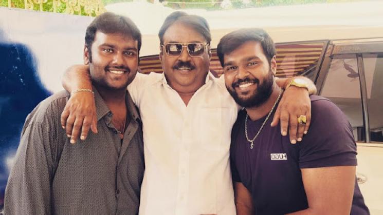 Premalatha Vijayakanth Help Vijayakanth in Shaving