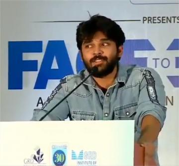 Dhruv Vikram Sings Sivakarthikeyan Song on Stage