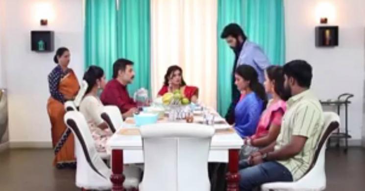 Sembaruthi Will Akilandeswari Eat With Parvathi