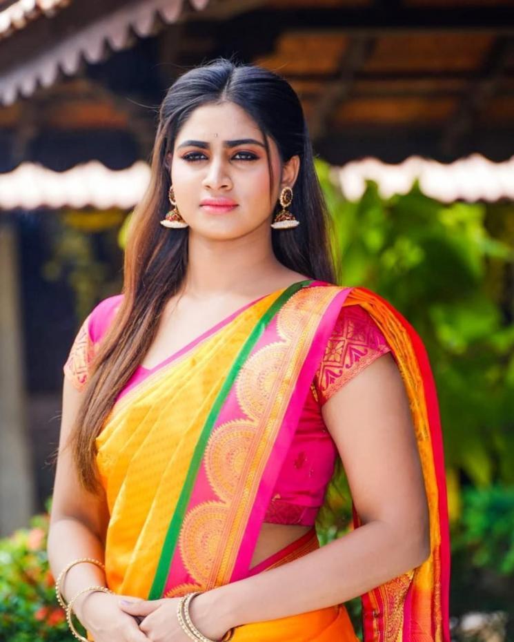Rettai Roja Shivani Narayanan Cooking Video