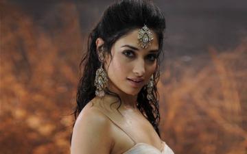 Tamannah To Do Web Series For Hotstar Vikatan