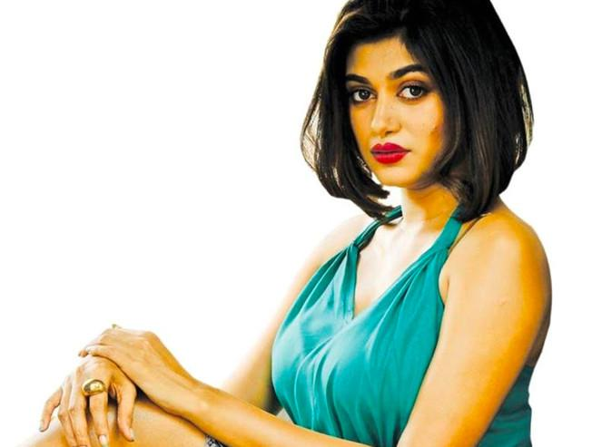 Extra shows arranged for Oviya 90ML directed by Anita Udeep releasing on March 1st - Tamil Movie Cinema News