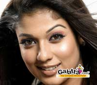 Nayantara fans disappointed with her� Aadhavan  glam show