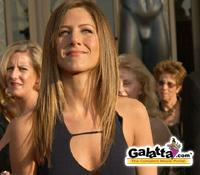 Jennifer Aniston  seeks teachings of  Gandhi to recover