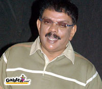 Priyadarshan strikes big deal