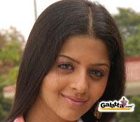 vedhika in malai malai - Tamil Movie Cinema News