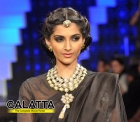 Sonam to play Rekha's role in Khubsoorat remake!
