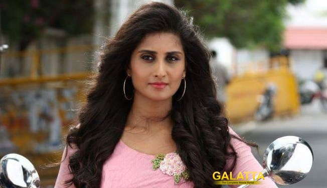 Shamili is a Vijay Fan