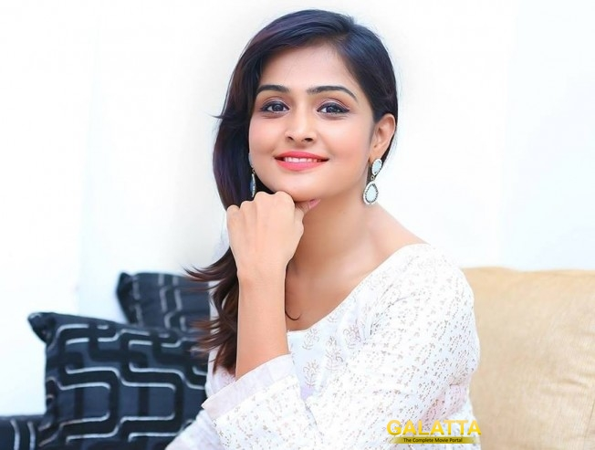 Remya Nambeesan Lends her Voice for Koothan
