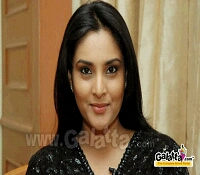 Ramya cheers for Royal Challengers Bangalore