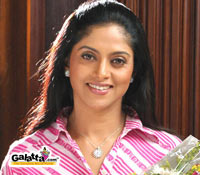 Nadhiya in Mysskin film