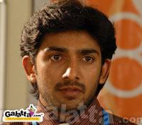 Mundhinam Paartheney:  Sanjay unplugged!