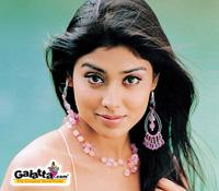 Shriya  in Dhanush's   Thiruvilayadal