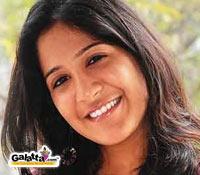 Shwetha engaged to Ashwin