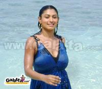 Malavika walks out of Karthigai