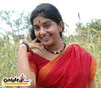 Meera Jasmine in Nee Indri Naan Illai