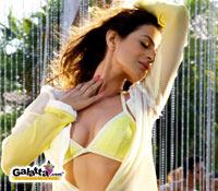 Amisha 'SEXY' sans Patel!