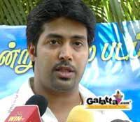 Jai Aakash turns director
