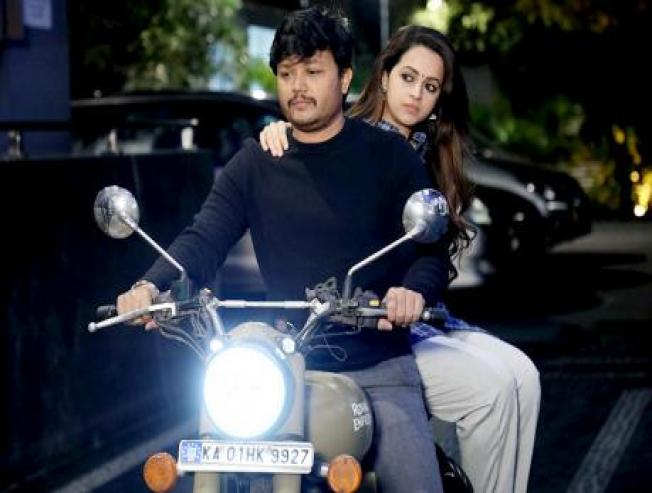 Anisuthidhe Lyric Video From 99 Movie Ft Golden Star Ganesh And Bhavana