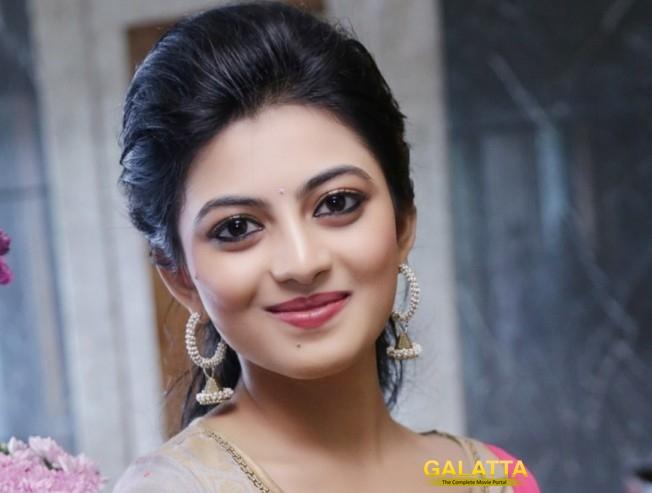 Anandhi's next is En Aaloda Seruppa Kaanom