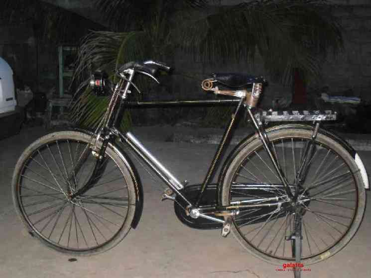 Migrant worker steals cycle but leaves heart touching note - Telugu Movie Cinema News
