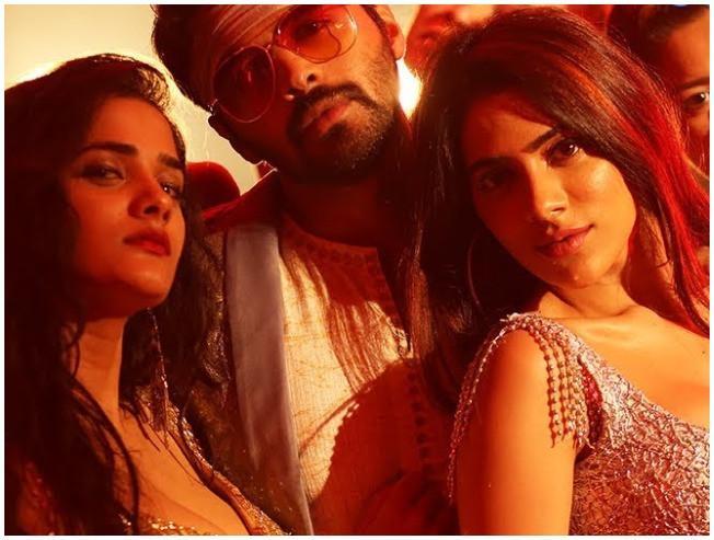 Party Video Song Chikati Gadilo Chithakottudu Nikki Tamboli Bhagyashree Mote Adith - Tamil Movie Cinema News