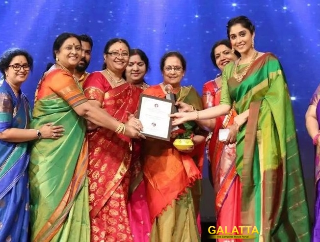 Regina Cassandra Receives Best Actress Award