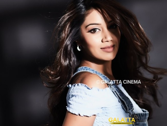 Nivetha Pethuraj releases a video to clarify her twitter account - Movie Cinema News