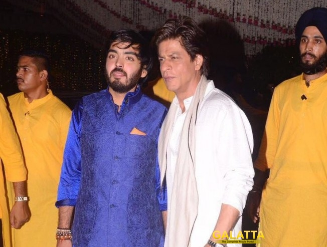 SRK, Amitabh and B-Town Celebs Grace Ambani House