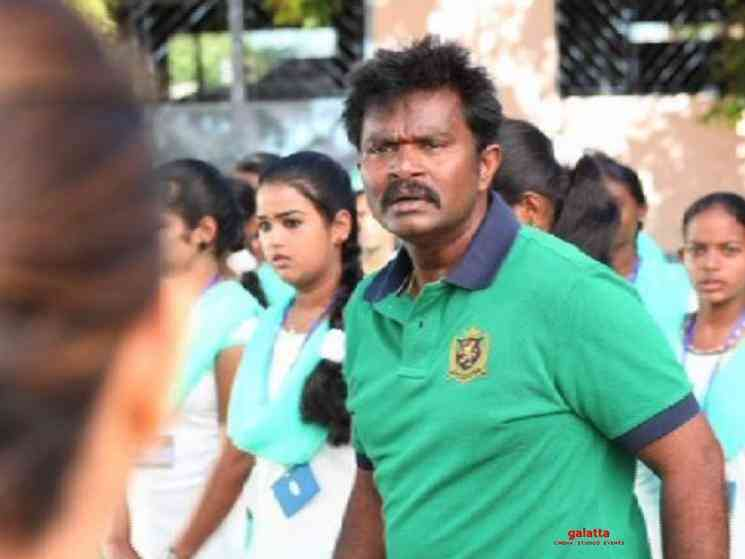 Director Hari Prakashraj donate rice bags to FEFSI employees - Telugu Movie Cinema News
