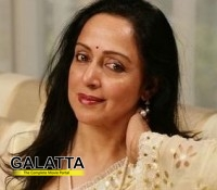 Hemamalini wants Rajinikanth to enter politics!